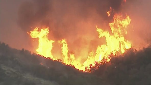 Massive brush fire burns near Lake Hughes; zero containment reached