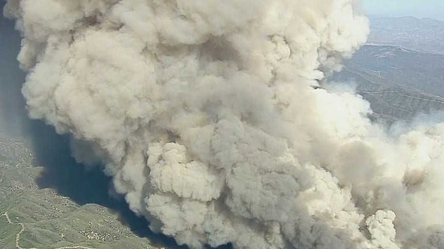 Fast-moving brush fire scorches 10,000 acres in Lake Hughes