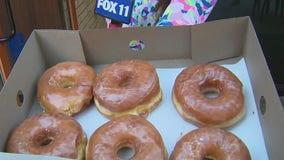 Randy's Donuts opens new shop in Pasadena