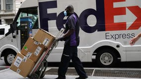 FedEx, USPS to hire over a thousand seasonal team members in the Los Angeles area