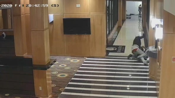 Culver City police searching for suspect who stabbed man in hotel lobby