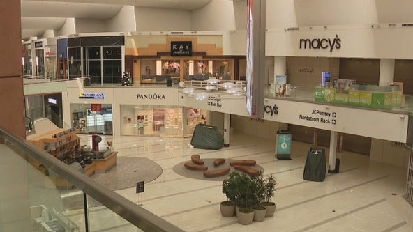 Los Angeles County indoor shopping malls remain closed and it's killing small businesses