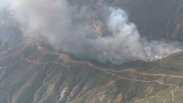 Forward progress stopped as brush fire quickly scorched 230 acres in Santa Clarita