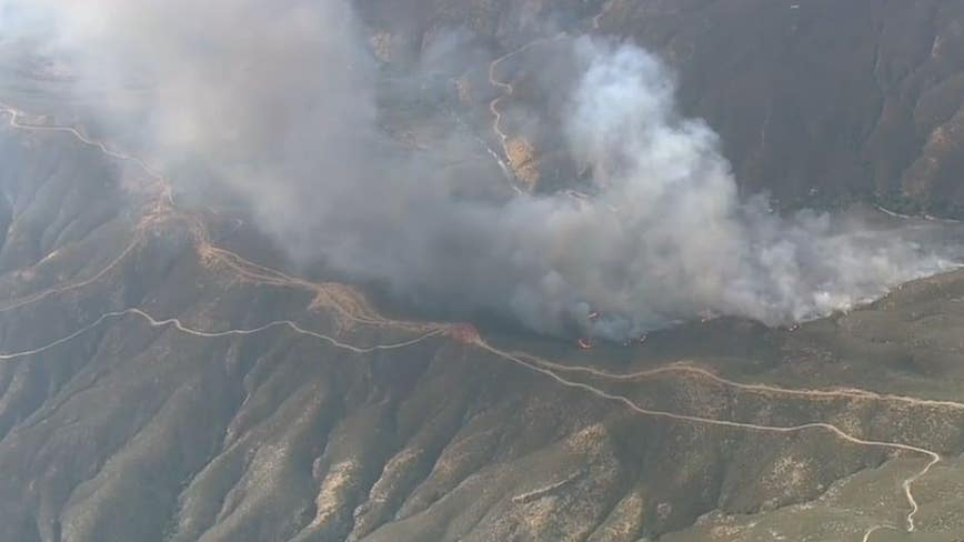 Forward progress stopped as brush fire quickly scorched 300 acres in Santa Clarita