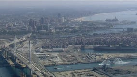 Long Beach celebrates opening of new bridge