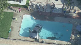 Driver crashes vehicle into pool in La Cañada Flintridge