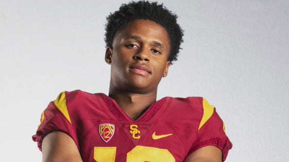 USC football players, activists call for reinstatement of Munir McClain