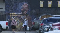 Fans flock to Kobe Bryant murals across Southern California