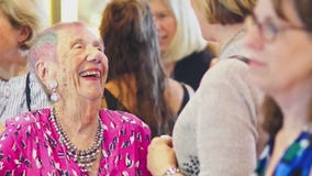 94-year-old Hollywood Hills woman celebrates getting COVID-19 vaccine