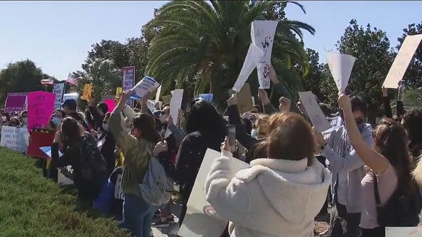 Parents rally for reopening of LAUSD schools