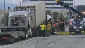 Big rig crash snarls traffic on 405 Freeway in Sherman Oaks