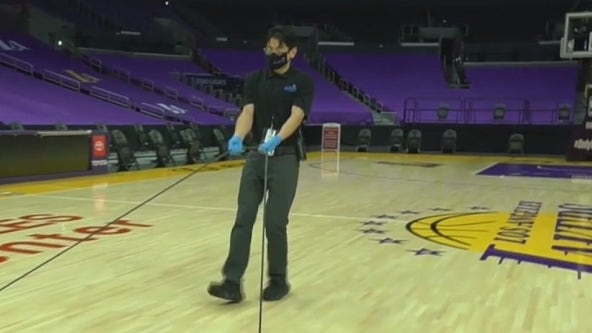 Lakers welcome back fans to Staples Center on Thursday