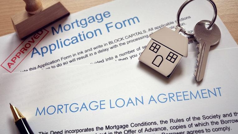 Credible-mortgage-lender-iStock-817348768.jpg