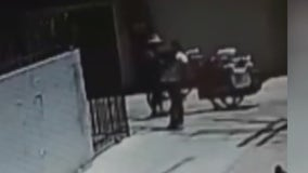 Video shows street vendor robbed at gunpoint in Long Beach