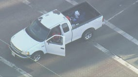 Standoff suspect takes smoke break after leading LAPD on chase