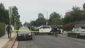 Man killed, woman wounded in car-to-car shooting, crash in Venice