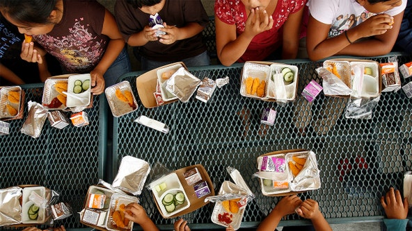 California school district tells parents their children must eat lunch in the rain due to COVID