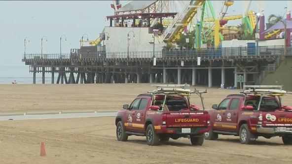 Coast Guard searching for woman in water near Santa Monica Pier