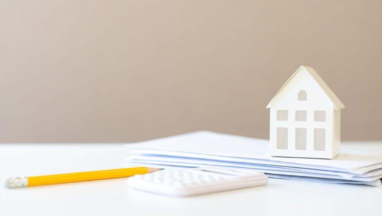 Credible-mortgage-rates-iStock-1207311686.jpg