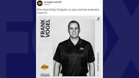 Lakers sign coach Frank Vogel to contract extension