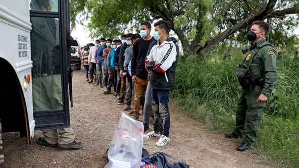 CDC extends order allowing migrants to be expelled amid COVID-19 pandemic