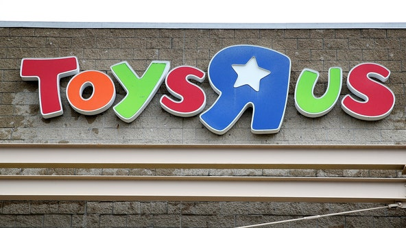Macy's, Toys'R'Us partner to bring the toy store back into physical locations