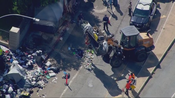 Authorities use bulldozer on Brentwood homeless encampment on San Vicente