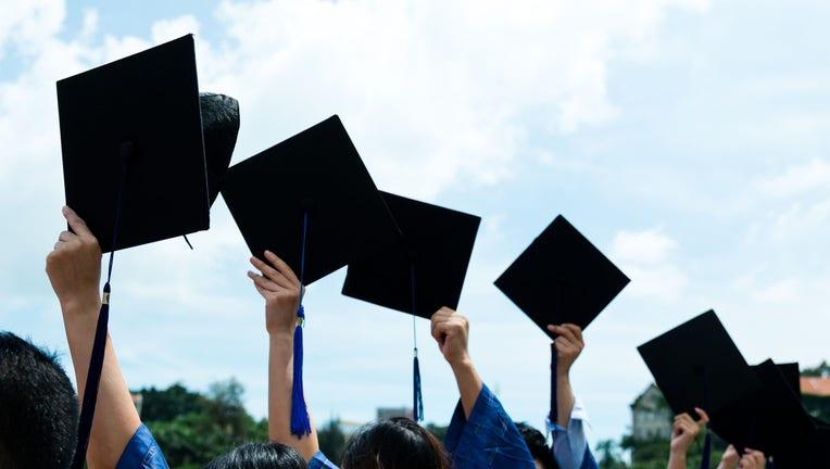 Credible-Federal-student-loans-2020-21-school-year-iStock-470800170.jpg