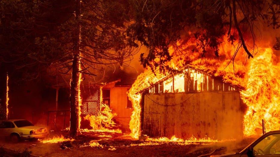31605d1a-TOPSHOT-US-CALIFORNIA-FIRE