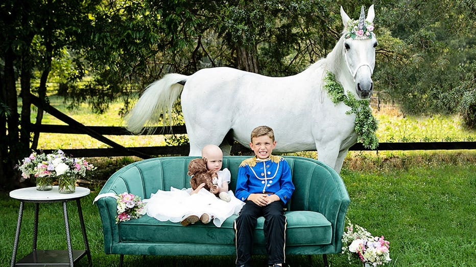 Unicorn-2-Little-Tots-Photography-Sarah-Lawrence.jpg