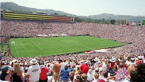 Los Angeles places bid to host FIFA World Cup 2026