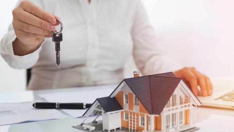 Credible-mortgage-refinance-iStock-1132205521.jpg