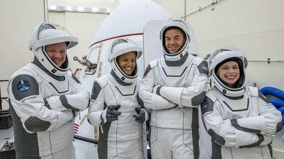 874200dc-SPACEX-inspiration4-crew-090821-1.jpeg