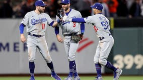 Dodgers even division series with 9-2 victory over Giants