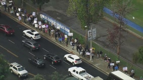 Thousands of California parents take part in statewide walkouts protesting school vaccine mandates
