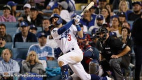 Mr. O(CT)ob(3)r: Chris Taylor's 3 homers keep Dodgers' season alive vs. Braves in Game 6 NLCS
