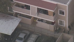 Kidnapping suspect who barricaded inside Palmdale apartment building taken into custody