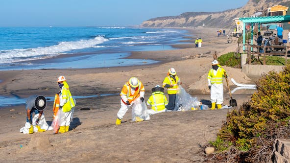 Huntington Beach oil spill victims can apply to federal disaster loans