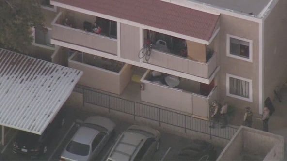 Kidnapping suspect barricaded inside Palmdale apartment building