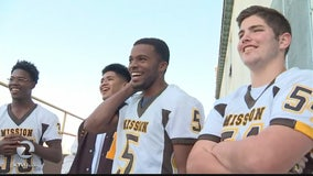 Mission H.S. football players kneel in support of Kaepernick