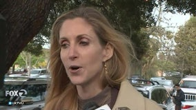 Anne Coulter embraced by conservative crowd in Mountain View