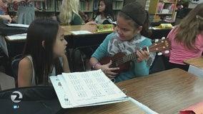 Teacher organizes ukulele donations for Paradise students