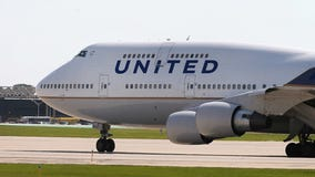 United Airlines goes 10 seats across