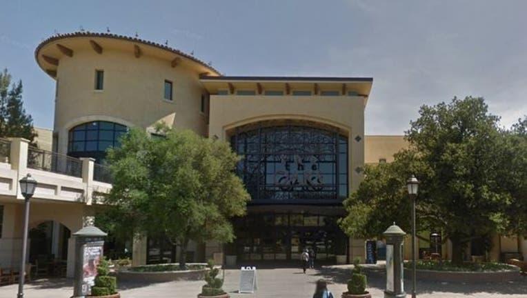 2380e762-Gunman kills 1 at Southern California mall, wounds himself