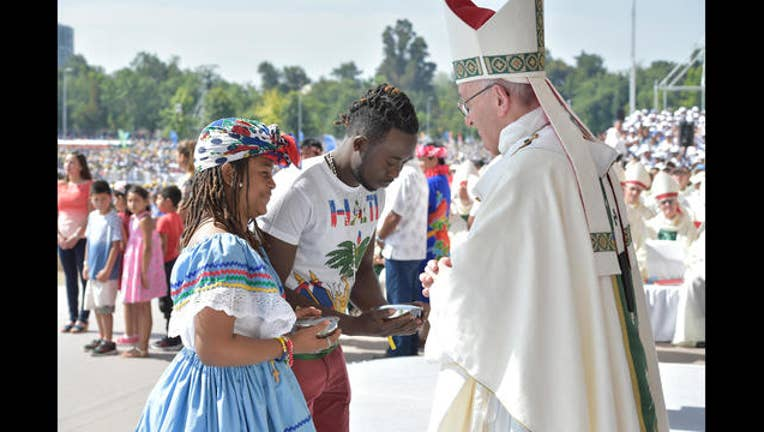 51582299-Chile Pope_1516158700358