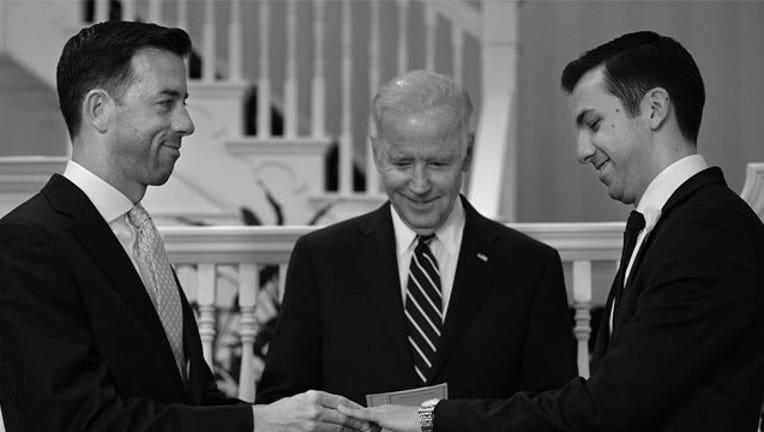 0869aa19-Biden-officiates-gay-wedding_1470176469582-407693.jpg