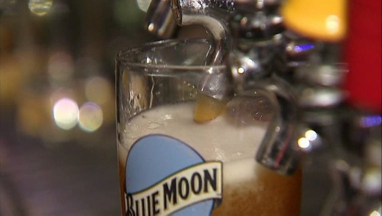 90caf38f-Blue Moon Beer-401096