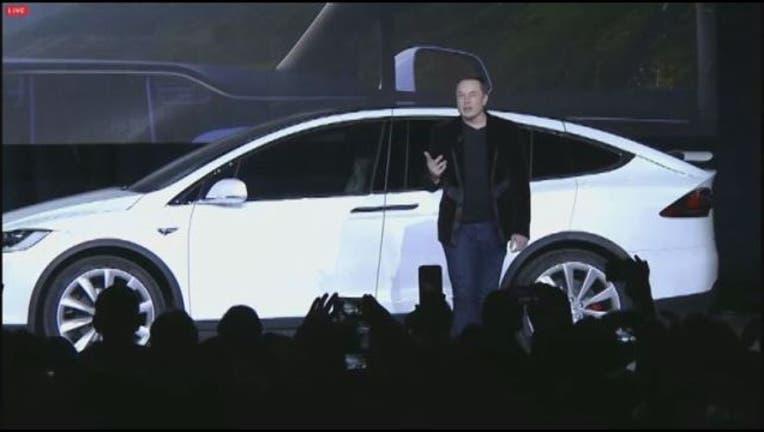 FREMONT__Elon_Musk_presents_new_Tesla_SU_1_20150930053300