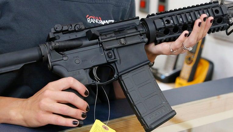 3418bc5b-AR-15 GETTY-401385