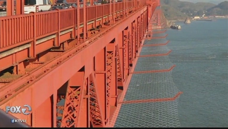 2eb26b8c-Golden_Gate_Bridge_suicide_barrier_to_be_0_20170414022329